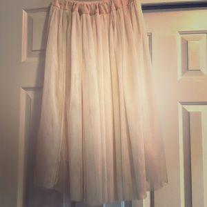 Dresses & Skirts - Romantic tulle skirt